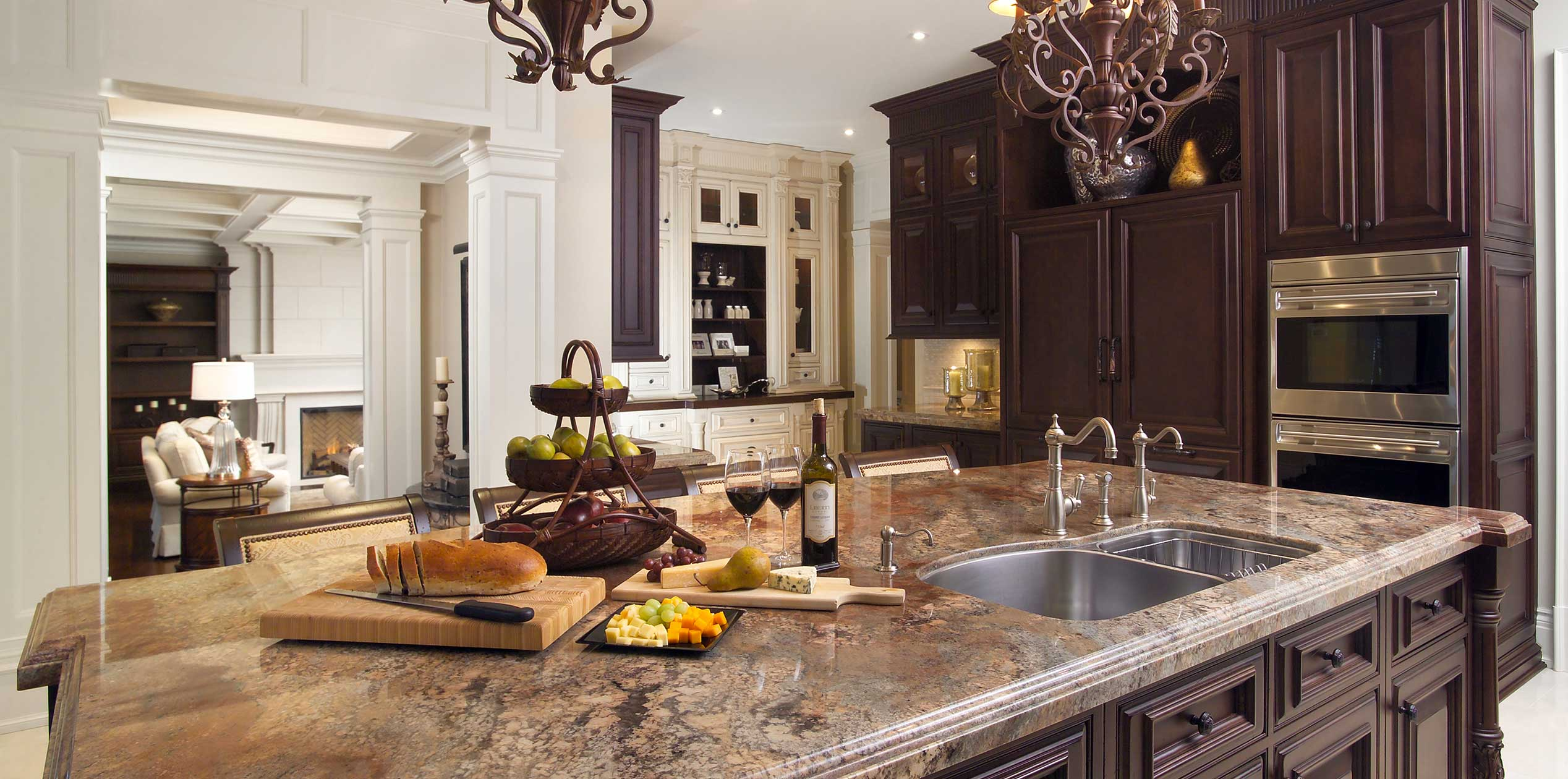 c Traditional Kitchen